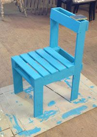 How to make your DIY pallet chair: