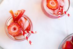 Strawberry Rosé Sangria - Quick and simple sangria made with fresh strawberries, rosé wine, and kicked up with some vodka! Yum Food, Delicious Food, Party Drinks, Cocktails, Rose Sangria, Great Recipes, Favorite Recipes, Strawberry Roses, Oclock