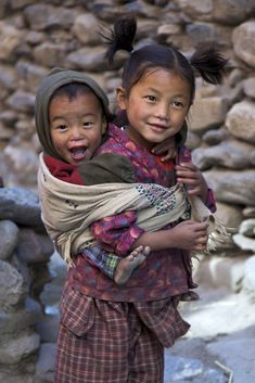 Big Sis | I came across this adorable pair while wandering through the narrow, twisted streets in the old section of Kagbeni, Nepal | by Andrew Castellano