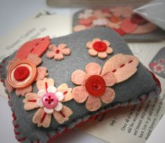 Pincushion kit by Fix design, via Flickr