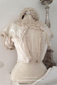 Antike Schneiderpuppe mit Seiden-Bluse und Ständer, Mannequin, Frankreich Shabby