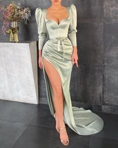 Glam Dresses, Event Dresses, Pretty Dresses, Beautiful Dresses, High Fashion Dresses, Trend Fashion, Look Fashion, Classy Dress, Classy Outfits