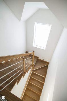 Dom jednororodzinny w Lipkowie - REALIZACJA - Średnie schody, styl nowoczesny - zdjęcie od Medyńscy Projektowanie