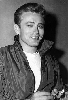 JAMES DEAN *** OMG...the way his whole face lights up when he smiles...those eyes...he's just too damn PERFECT!!!