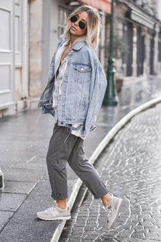 Casual to miami * s t y l e. fashion, new balance outfit och Womens Fashion For Work, Look Fashion, Denim Fashion, Winter Fashion, Grey Fashion, Street Fashion, Sneakers Fashion, Sneakers Style, Miami Fashion