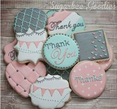 Pretty cookies by Sugarbee Goodies. Sweet favours for wedding, match colours to wedding theme