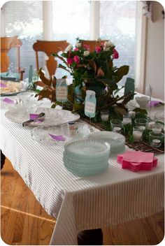 Sweetpea Lifestyle: Arranging a Buffet Table - tips to help you have a successful dinner party!