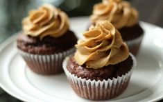 Cupcakes al cioccolato senza glutine - Questa ricetta vi presenta delle golose cupcakes al cioccolato che non fanno uso di farina, e quindi sono senza-glutine, e pertanto adatte ai celiaci