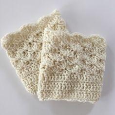 Shells boot cuffs in cream wool - crochet pattern by Little Monkeys Design.
