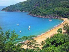 jabaquara beach, ilhabela, são paulo.