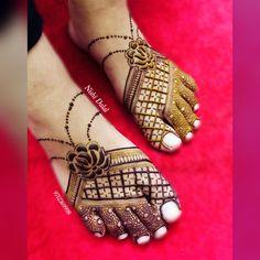 Basic Mehndi Designs, Henna Tattoo Designs Simple, Latest Bridal Mehndi Designs, Legs Mehndi Design, Henna Art Designs, Mehndi Designs For Girls, Stylish Mehndi Designs, Dulhan Mehndi Designs, Mehndi Design Pictures