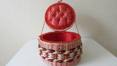Vintage Floral, Vintage Sewing, Rose Vase, Sewing Baskets, Pink Plastic, Red Interiors, Dinner Sets, Retro Home, Small Flowers
