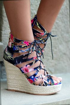 100+ Best Street Style Looks I DeeZee.pl #streetstyle #shoes #fashion #deezee
