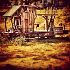 The Moonshine Luv Shack. #ashland #oregon #loveit #moonshineluvshack #lol - lyssa_ruth @ Instagram Web Interface - 5th village