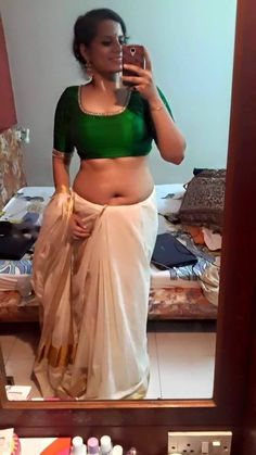 bed bhabhi navel nude on desi saree