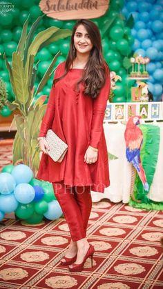 Fancy Dress Design, Stylish Dress Designs, Designs For Dresses, Simple Pakistani Dresses, Pakistani Dress Design, Pakistani Fashion Party Wear, Pakistani Outfits, Designer Party Wear Dresses, Indian Designer Outfits