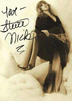 Stevie Nicks photo taken by Herbert Worthington III Rumours Album, Buckingham Nicks, Lindsey Buckingham, Stephanie Lynn, Stevie Nicks Fleetwood Mac, Women Of Rock, My Muse, Gypsy Style, My Idol