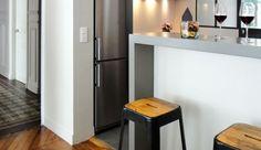 Vous souhaitez relooker, réaménager ou refaire votre cuisine ? Inspirez-vous des cuisines conçues par les architectes, architectes d'intérieur ou décorateurs de Côté Maison Projets ! Au programme : 7 exemples de cuisine ouverte avec verrière d'intérieur ou avec bar.