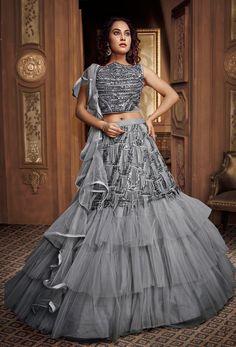 Lehenga Choli Designs, Wedding Lehenga Designs, Wedding Lehnga, Simple Lehenga Choli, Wedding Dresses, Desi Wedding, Wedding Wear, Indian Fashion Dresses, Indian Gowns Dresses