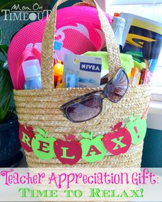 Teacher Appreciation Gift Idea - Time To Relax! Teacher Appreciation Gift Idea - Time To Relax! Vacation Gift Basket, Summer Gift Baskets, Summer Gifts, Relaxation Gifts, Themed Gift Baskets, Beach Gifts, Teacher Appreciation Week, Teachers' Day, School Gifts