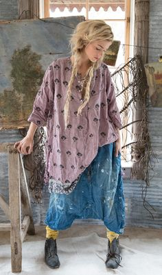 We share the best hippie outfits ideas boho fashion inspiration for your style. Estilo Hippy, Estilo Rock, Fashion Moda, Boho Fashion, Womens Fashion, Hippie Outfits, Ropa Shabby Chic, Boho Mode, Hippie Stil