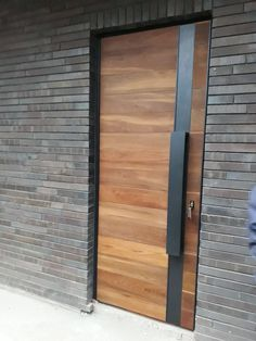 Front Door Design, Front Door Decor, Modern Entryway, Entryway Decor, Narrow Entryway, Wooden Stairs, Wooden Doors, House Entrance, Entrance Doors