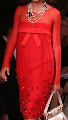 Christian Dior V Red Fashion, Fashion Details, High Fashion, Womens Fashion, Christian Dior, Dior Couture, Couture Fashion, French Fashion Designers, John Galliano