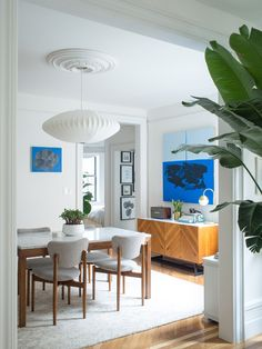 A couple creates a modern space in a 1930s Brooklyn apartment.