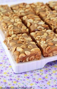 - Copycat Payday Candy Bars Copycat Payday Candy Bars~ Homemade payday candy bars made of sticky-sweet, gooey caramel balanced by the crunch of a thousand salty peanuts. Just Desserts, Delicious Desserts, Yummy Treats, Sweet Treats, Cookie Recipes, Dessert Recipes, Dinner Recipes, Homemade Candies, Homemade Candy Recipes
