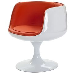 cup dining chair in orange vinyl #kleurinspiratie