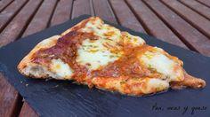 Pizza de mozzarella y romero