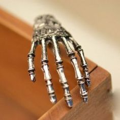 Chic Skeleton Hand Embellished Hairpin For Women (SILVER) | Sammydress.com Mobile
