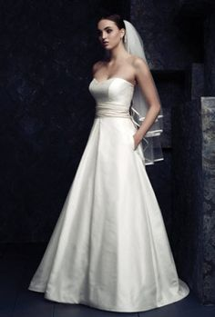 Paloma Blanca has been serving the bridal industry since 1937 from its own manufacturing facilities in Toronto.   see available styles at www.palomablanca.com