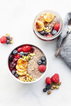 This magical warm chia pudding recipe is packed with flavour and fibre and is gluten free, dairy free, and vegan. A delicious breakfast, snack, or dessert! Healthy Breakfast Snacks, Healthy Lunches For Kids, Healthy Toddler Meals, Toddler Food, Chia Pudding Breakfast, Breakfast Bowls, Vanilla Chia Pudding, Eat Happy, Perfect Breakfast