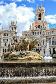 Cybele Statue designed in late by Ventura Rodriguez as part of Carolos III's scheme to beautify Madrid, Spain. Symbol of Madrid. Madrid City, Foto Madrid, Malaga, Valencia, Places Around The World, Around The Worlds, Wonderful Places, Beautiful Places, Places To Travel
