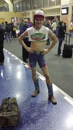 My friend who is in the Marines had his little brother pick him up at the airport This is what he was wearing #funny #friend #marines #little #brother #pick #airport #wearing #humor #comedy #lol
