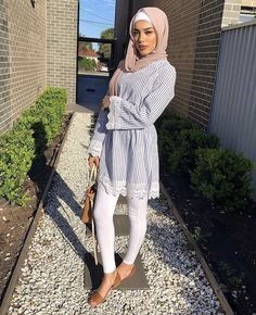 Hijab hijab clothing combinationsYour scarf is central to the bit in the outfits of females along with hijab. Hijab Fashion Summer, Modern Hijab Fashion, Street Hijab Fashion, Hijab Fashion Inspiration, Islamic Fashion, Muslim Fashion, Modest Outfits Muslim, Modest Summer Outfits, Modest Dresses