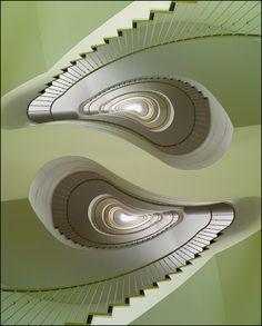 Magia en las escaleras. ¿Te atreves a descender? #Habitat