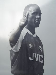 The Arsenal Collective - someone who needs no introduction to any Arsenal fan. Forever in our thoughts Rocky Rocastle. London Football, Football Icon, Arsenal Football, Arsenal Fc, Football Players, Arsenal Images, English Premier League, Fa Cup, Great Team