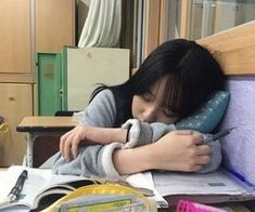 Find images and videos about girl, korean and asian on We Heart It - the app to get lost in what you love. Mode Ulzzang, Ulzzang Korean Girl, Cute Korean Girl, Asian Girl, Couple Ulzzang, Mode Rock, Korean Aesthetic, Uzzlang Girl, Korean Couple