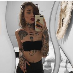 But in this era of unconventionality, you are pursuing something different, and tattoos become a label for expressing your own personality. Tattoos are a lifelong… Sexy Tattoos, Body Art Tattoos, Tattoos For Women, Stomach Tattoos, Small Tattoos, Full Tattoo, Back Tattoo, Tattoo Neck, Wrist Tattoo