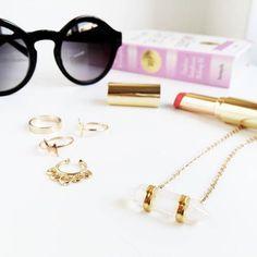 Jewelry choices for today  Anéis // Piercing falso para o septo // Fio com quartzo // Óculos de Sol // WWW.VANILLAVICE.COM