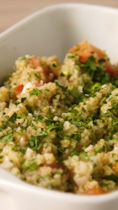 Risotto is prized for its creamy texture and rich taste. Quinoa is naturally creamy and makes a lighter, whole grain version of this popular Italian comfort food. Spinach adds extra nutrition and flavor. Vegetarian Recipes, Snack Recipes, Cooking Recipes, Healthy Recipes, Bulgur Salad, Couscous Recipes, Tasty, Yummy Food, Southern Recipes