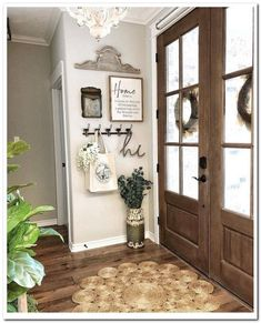 An entryway rug is among simple decorations that can enliven your house. A stylish rug can impress guests, relatives or friends. An entryway rug shouldn't cost you a fortune. Read Entryway Rug Ideas to Spruce Up Your Foyer Farmhouse Interior, Farmhouse Chic, Farmhouse Wall Hooks, Urban Farmhouse, Foyer Decorating, Interior Decorating, Decorating Tips, Interior Design, Entryway Decor