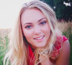 AnnaSophia Robb. She is amazing and absolutely beautiful!
