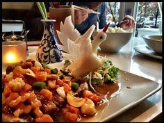 Panasiatisch und kinderreich: Das Restaurant Chan - Gerlinde Jänicke ist Morgenmoderatorin bei 94,3 rs2. In ihrer Kolumne auf QIEZ.de verrät sie euch jede Woche exklusiv ihre liebsten Orte, besondere Events und noch jede Menge mehr. Diesmal: Panasiatisches Dinner am schönen Paul-Lincke-Ufer mit erhöhter Dezibelzahl.