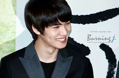 Our burning HYUNNIE smiling so bright :)