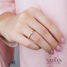 Tamamen El Yapimi Agac Kabugu Tektas Farkli Sekilleri Internet Sitemizde Mevcut Worldwide Shipping Www Nadiasjewellery Com Tr Whats Jewelry Rings Fashion