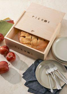 Reusable Wooden Pie Box | Rodale's