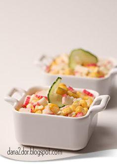 In seara asta astept niste musafiri, asa ca am pregatit, printre altele, si aceasta salata. Iata ce am folosit: 250g surimi, 4 oua fierte... Recipes, Salads, Recipies, Ripped Recipes, Recipe, Cooking Recipes